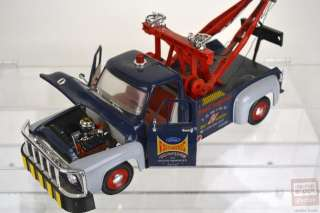 1953 Ford F 100 Wrecker Tow Truck 118 Scale Diecast Model by Road