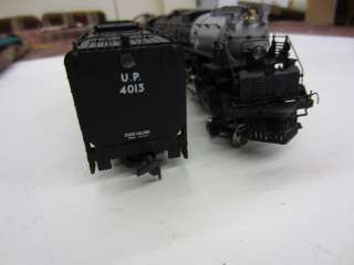 AHM/Rivarossi HO Scale 4 8 8 4 BIG BOY UP 4013 Steam Locomotive