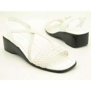 KAREN SCOTT Keri White Sandals Shoes Womens Size 8