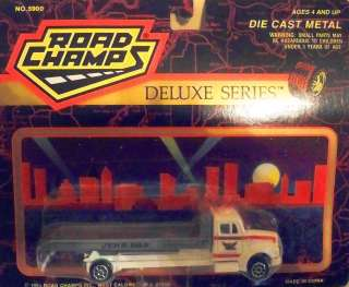 1993 JERR DAN FLATBED TOW TRUCK   ROAD CHAMPS   164 SCALE