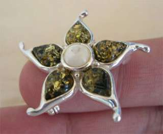 BALTIC HONEY or GREEN AMBER & STERLING SILVER FLOWER BROOCH PIN