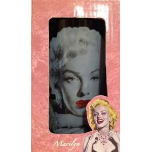 Marilyn Monroes Hollywood Red Lips Pint of Glass Kitchen
