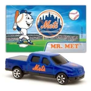 MLB 1:87 Scale Ford F 150 with Team Mascot Sticker   Mets