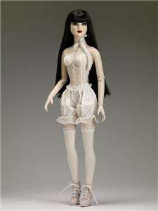 NEW 2012 Tonner DELUXE GOTH BASIC 22 AMERICAN MODEL DOLL~PRE ORDER