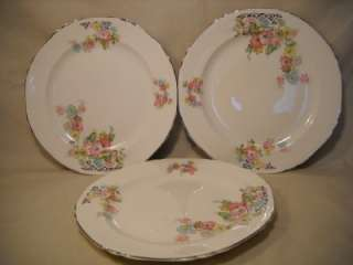 VINTAGE CROWN IVORY CHINA/DISHES DINNER PLATES