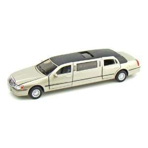 1999 Lincoln Town Car Stretch Limousine 1/38 Gold Toys & Games