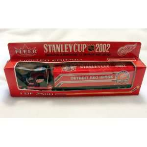 CUP CHAMPIONS TRACTOR TRAILER TRUCK 1/80:  Sports