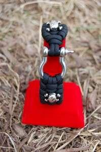 EXTREME Paracord survival Bracelet with Skull & Crossbones in Black