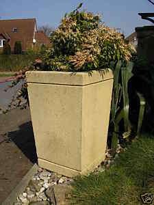 Pflanzkübel / Blumenkübel / Kunst Sandstein