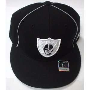 Oakland Raiders Reverse Logo Fitted Reebok Hat Size 7 1/2