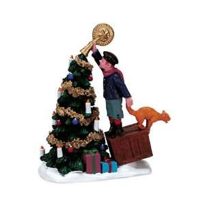 Village Collection The Finishing Touch Figurine #72444